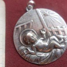 Antigüedades: ROBUSTA MEDALLA DE PLATA. Lote 277643438