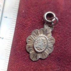 Antigüedades: VIRGEN DE MONTSERRAT. MEDALLA DE PLATA CONTRASTADA. Lote 277644043