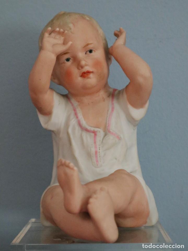 BABY PIANO ELABORADO EN BISCUIT POLICROMADO. PPS. S. XX. MIDE 16 X 13,5 CM. (Antigüedades - Porcelana y Cerámica - Alemana - Meissen)