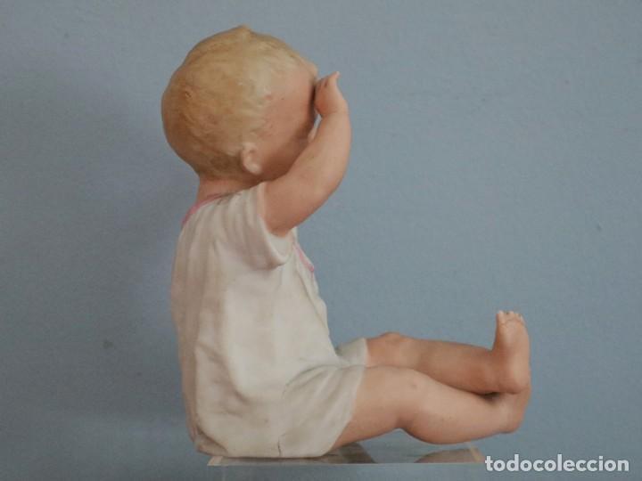 Antigüedades: Baby Piano elaborado en biscuit policromado. Pps. S. XX. Mide 16 x 13,5 cm. - Foto 2 - 277656213