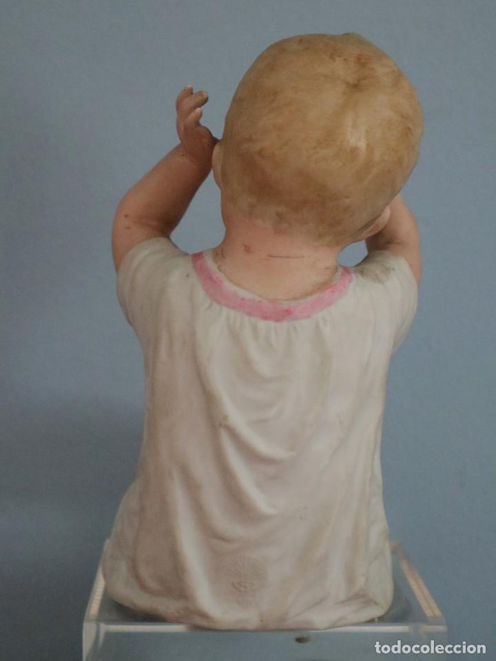 Antigüedades: Baby Piano elaborado en biscuit policromado. Pps. S. XX. Mide 16 x 13,5 cm. - Foto 3 - 277656213