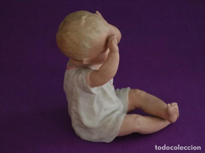 Antigüedades: Baby Piano elaborado en biscuit policromado. Pps. S. XX. Mide 16 x 13,5 cm. - Foto 8 - 277656213