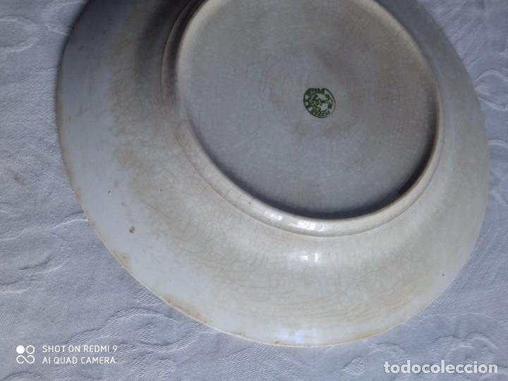 Antigüedades: Pareja de antiguos platos de La Cartuja , Pickman, con pavos reales. - Foto 9 - 277684623