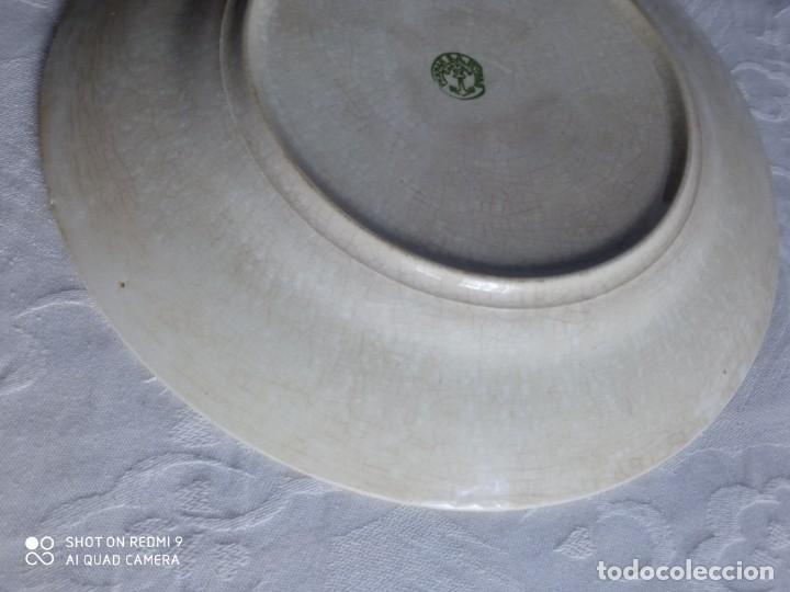 Antigüedades: Pareja de antiguos platos de La Cartuja , Pickman, con pavos reales. - Foto 10 - 277684623