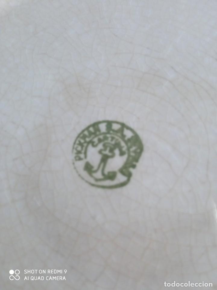 Antigüedades: Pareja de antiguos platos de La Cartuja , Pickman, con pavos reales. - Foto 13 - 277684623