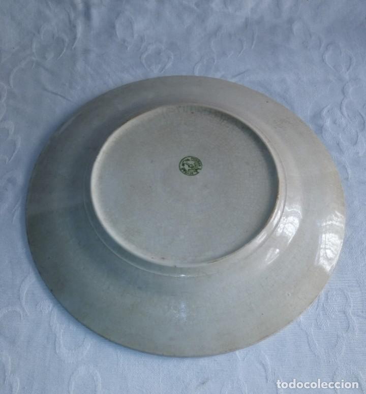 Antigüedades: Pareja de antiguos platos de La Cartuja , Pickman, con pavos reales. - Foto 20 - 277684623