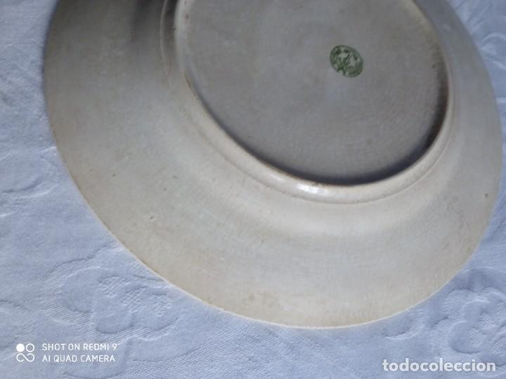 Antigüedades: Pareja de antiguos platos de La Cartuja , Pickman, con pavos reales. - Foto 21 - 277684623