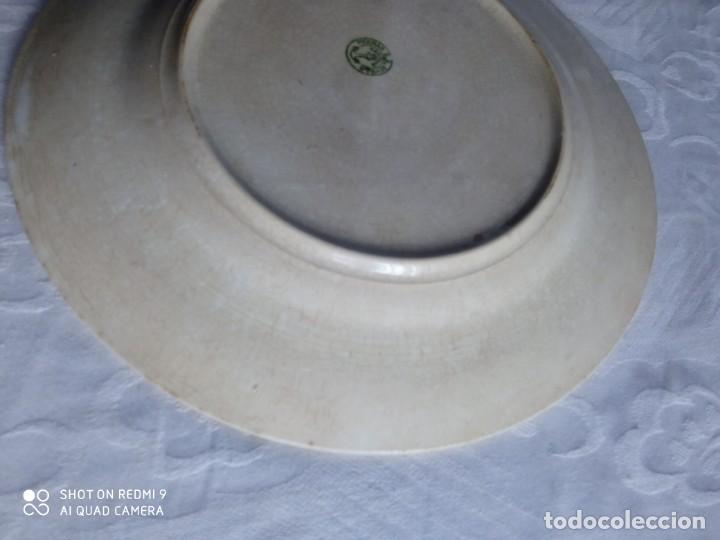 Antigüedades: Pareja de antiguos platos de La Cartuja , Pickman, con pavos reales. - Foto 22 - 277684623