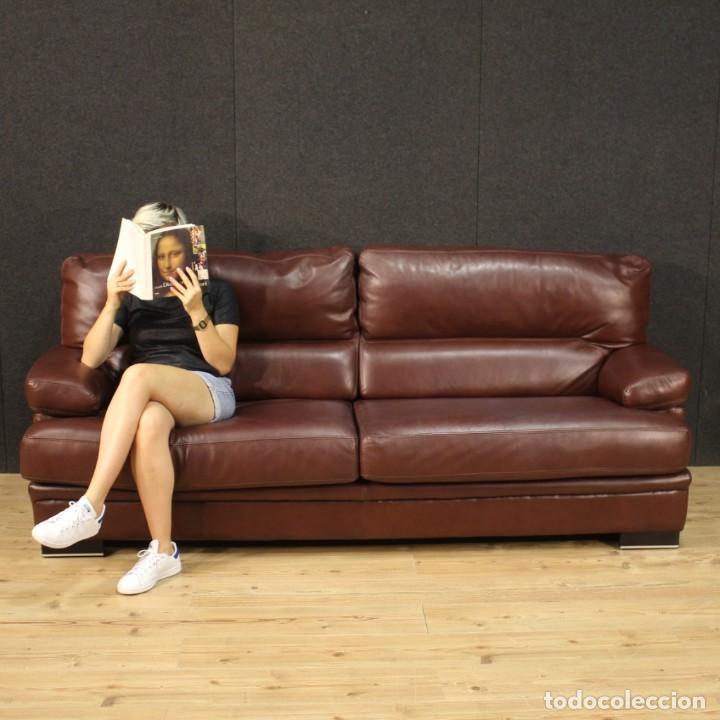 Antigüedades: Gran sofá de cuero de los años 80 - Foto 2 - 277701493