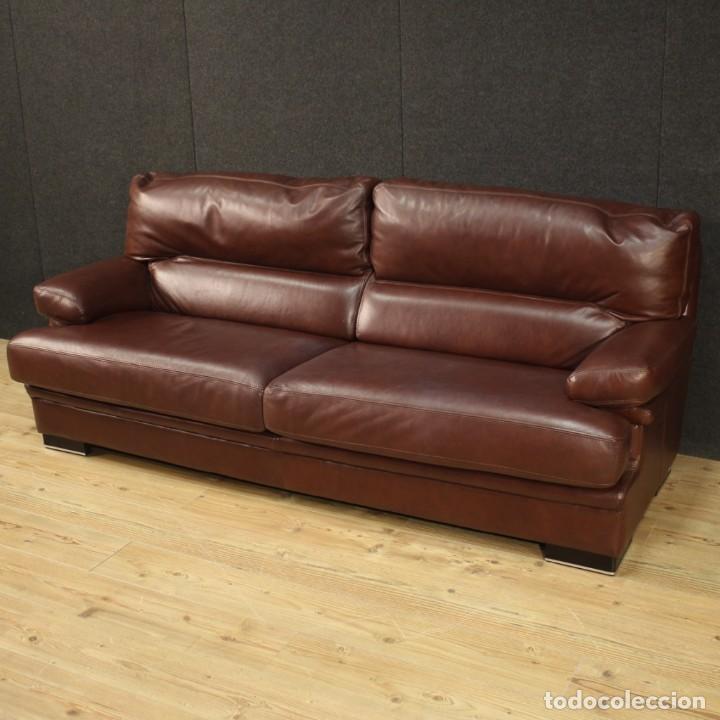 Antigüedades: Gran sofá de cuero de los años 80 - Foto 6 - 277701493