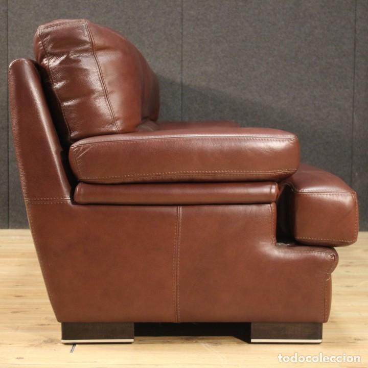 Antigüedades: Gran sofá de cuero de los años 80 - Foto 9 - 277701493