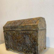 Antigüedades: ARQUETA ALTA ÉPOCA. Lote 277714558