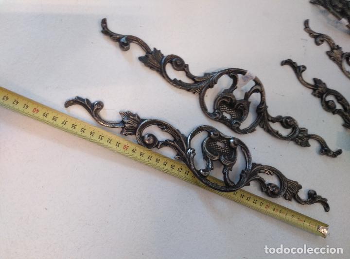 Antigüedades: Tiradores de armario antiguos. 38 cm - Foto 7 - 277715393