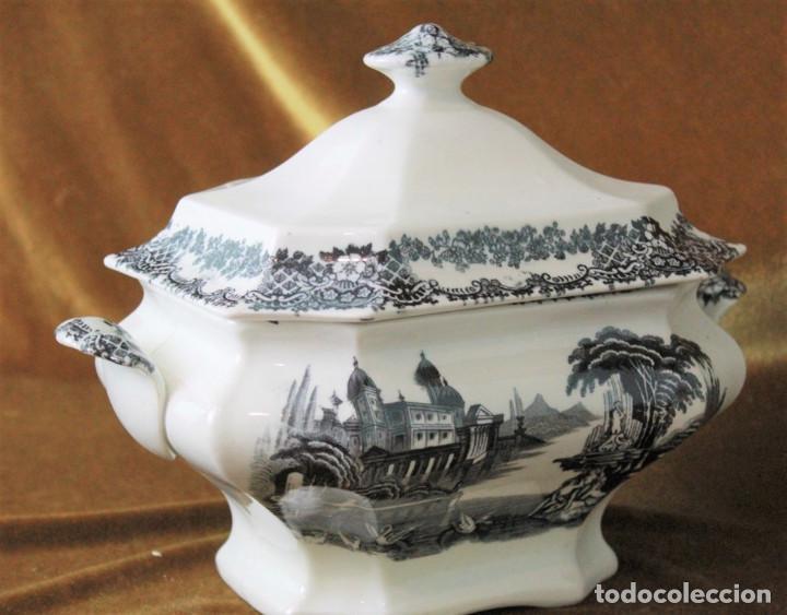 ANTIGUA SOPERA DE CERÁMICA ESTILO PICKMAN, SIN SELLOS ACREDITATIVOS (Antigüedades - Porcelanas y Cerámicas - La Cartuja Pickman)