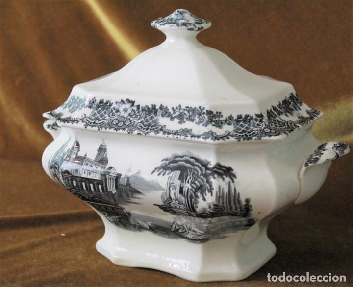 Antigüedades: Antigua sopera de cerámica estilo Pickman, sin sellos acreditativos - Foto 2 - 277758423