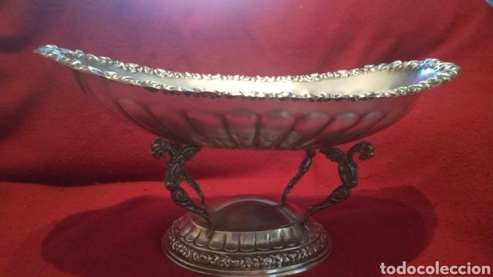 Antigüedades: Centro de mesa BANDEJA Frutero ALPACA BAÑO DE PLATA ALCOR GALLONADA MOTIVOS FLORARES y 4 Caballitos - Foto 2 - 277820733
