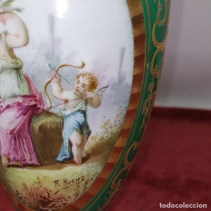Antigüedades: PAREJA DE JARRONES ESTILO SEVRES. FIRMADOS P. ROCHE. FRANCIA. FINALES SIGLO XIX - Foto 5 - 278213223