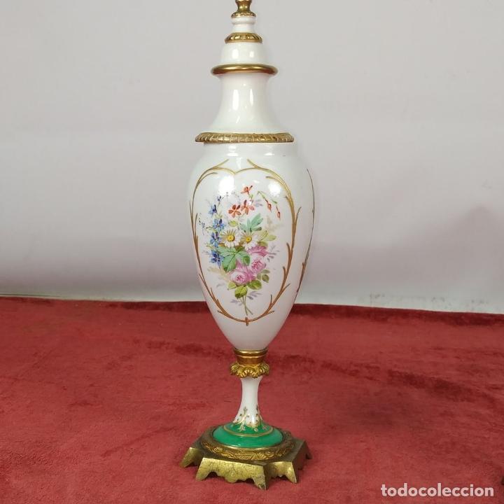 Antigüedades: PAREJA DE JARRONES ESTILO SEVRES. FIRMADOS P. ROCHE. FRANCIA. FINALES SIGLO XIX - Foto 9 - 278213223