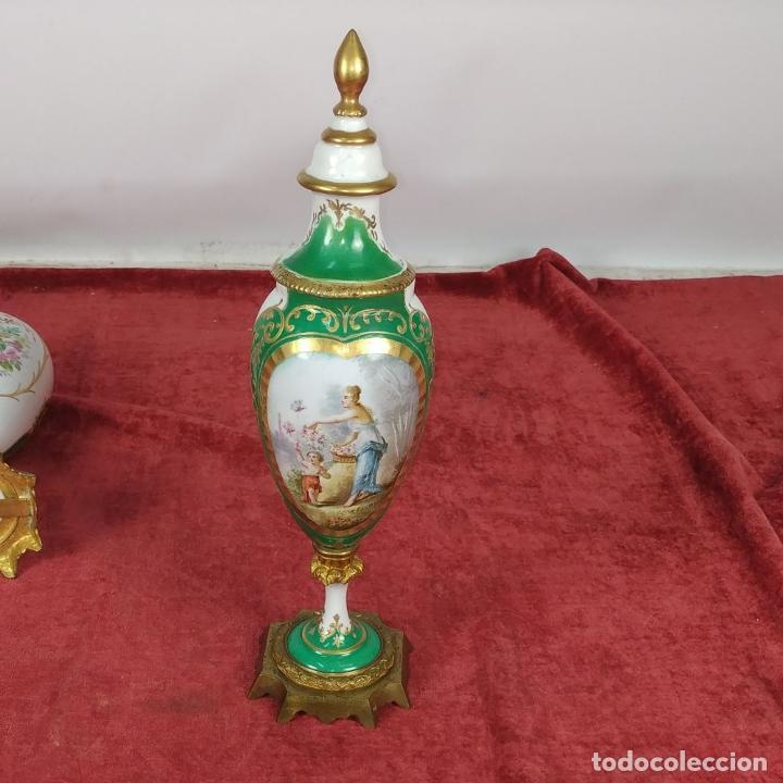Antigüedades: PAREJA DE JARRONES ESTILO SEVRES. FIRMADOS P. ROCHE. FRANCIA. FINALES SIGLO XIX - Foto 15 - 278213223