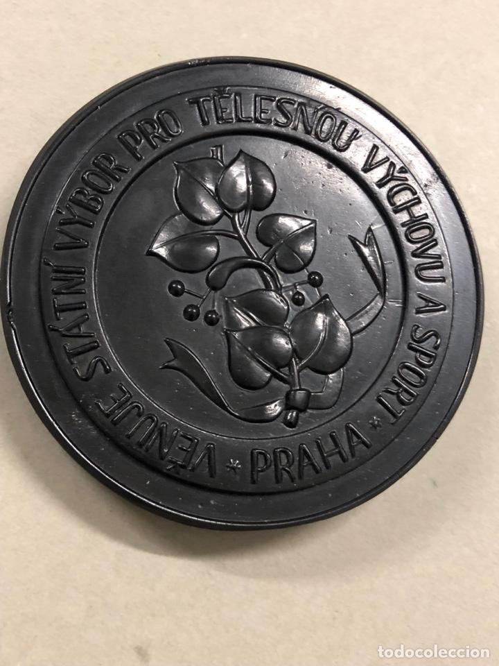 Antigüedades: Al comité de educación física - Praga - 1918 - cristal negro de bohemia - Checoslovaquia - Foto 4 - 278274158