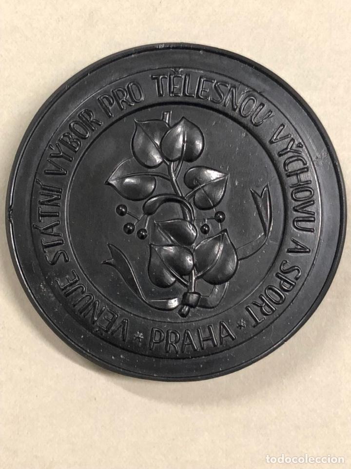 Antigüedades: Al comité de educación física - Praga - 1918 - cristal negro de bohemia - Checoslovaquia - Foto 8 - 278274158