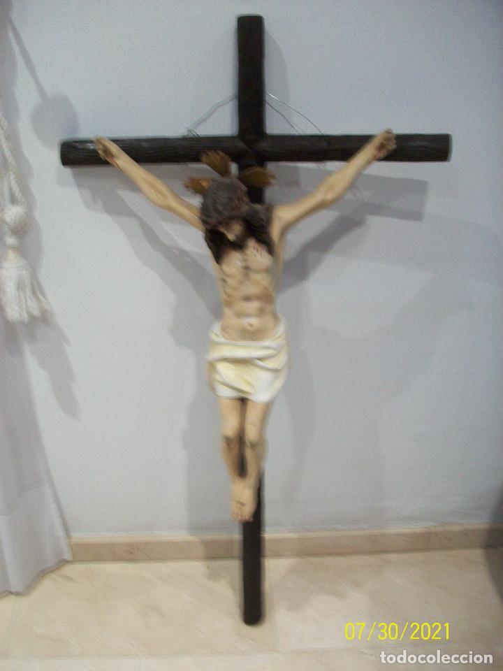 ANTIGUO Y GRAN CRUCIFIJO (Antigüedades - Religiosas - Crucifijos Antiguos)