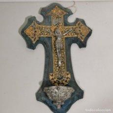 Antigüedades: ANTIGUA BENDITERA RELIGIOSA CON UN CRUCIFIJO - HECHA CON VARIOS METALES - FILIGRANA - SIGLO XIX. Lote 278393603