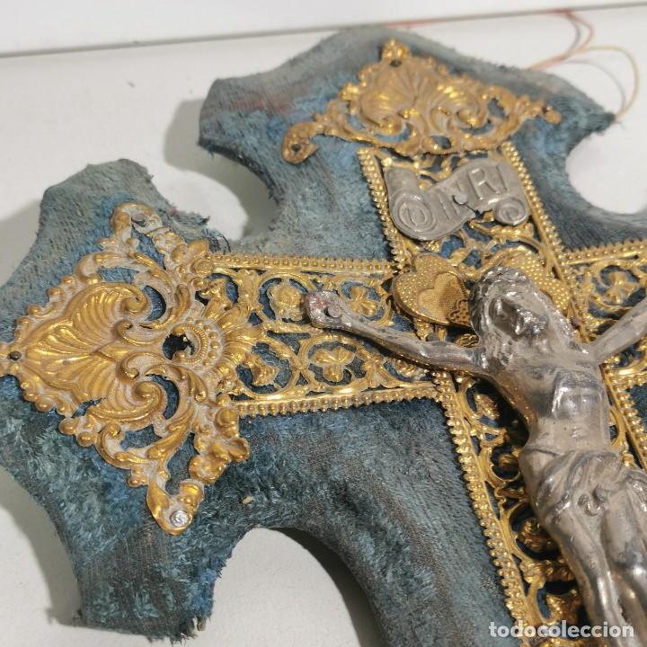 Antigüedades: ANTIGUA BENDITERA RELIGIOSA CON UN CRUCIFIJO - HECHA CON VARIOS METALES - FILIGRANA - SIGLO XIX - Foto 3 - 278393603
