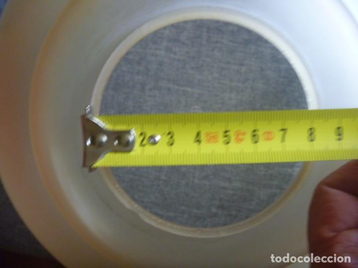 Antigüedades: ANTIGUA GRAN TULIPA DE CRISTAL GLASEADO GRABADO AL ÁCIDO PARA LAMPARA TECHO – 33 CM DIAMETRO - Foto 9 - 278450903