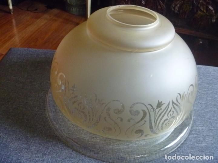 Antigüedades: ANTIGUA GRAN TULIPA DE CRISTAL GLASEADO GRABADO AL ÁCIDO PARA LAMPARA TECHO – 33 CM DIAMETRO - Foto 12 - 278450903