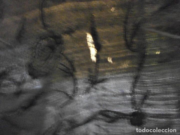 Antigüedades: muy antiguo manton de manila negro bordado por los dos lados flores ver fotos - Foto 16 - 278457348
