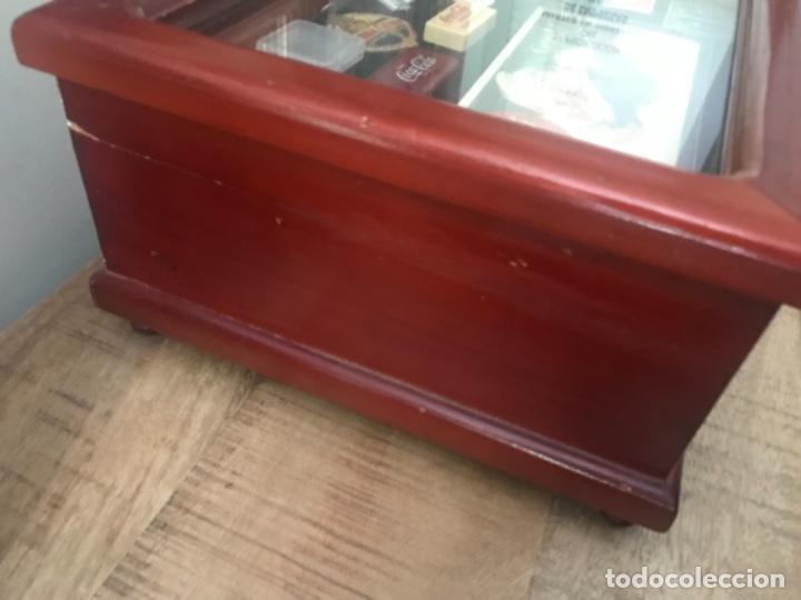 Antigüedades: Vitrina mostrador coleccionismo. 3 cajones. Miniaturas. Colecciones - Foto 7 - 278462743
