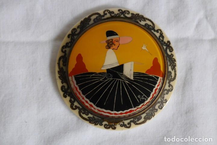 Antigüedades: Preciosa polvera vidrio pintado a mano firma Giby y pasta simil marfil, Made in Francia - Foto 2 - 278486378