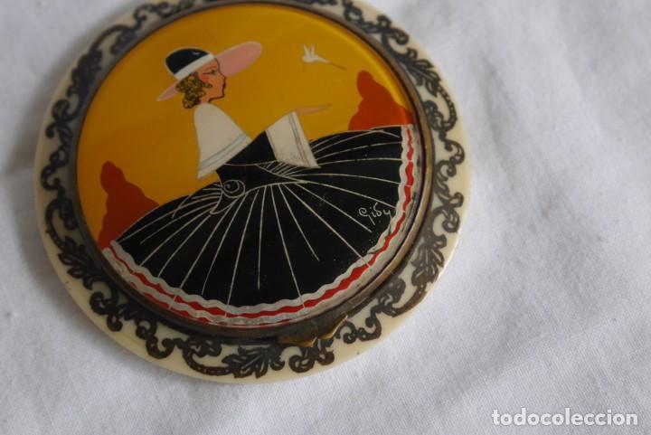Antigüedades: Preciosa polvera vidrio pintado a mano firma Giby y pasta simil marfil, Made in Francia - Foto 3 - 278486378