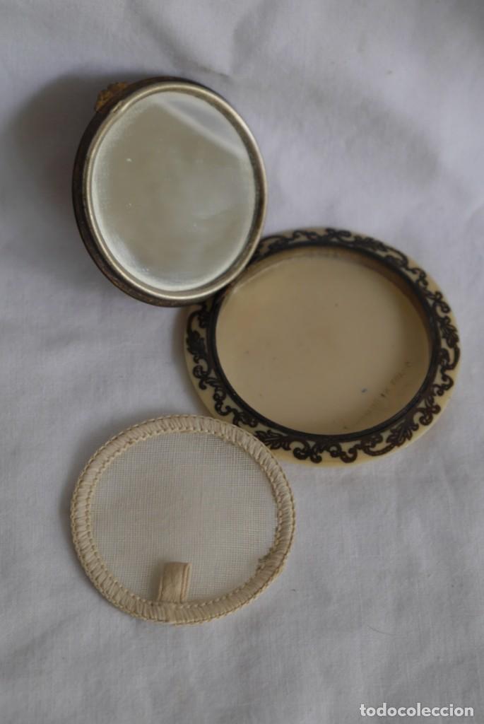 Antigüedades: Preciosa polvera vidrio pintado a mano firma Giby y pasta simil marfil, Made in Francia - Foto 8 - 278486378