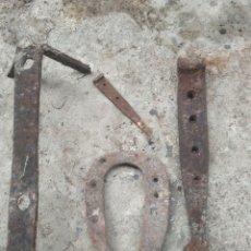 Antigüedades: LOTE DE 4 PIEZAS DE HIERRO ANTIGUAS. Lote 278501953
