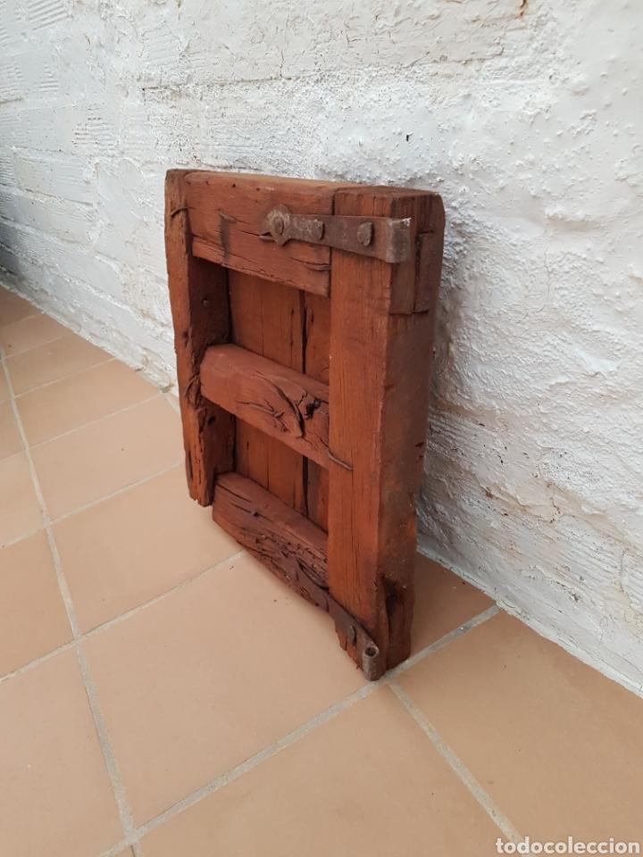 Antigüedades: Ventana antigua con clavos antiguos de forja siglo XVII - XVIII Aprox - Foto 3 - 278533133
