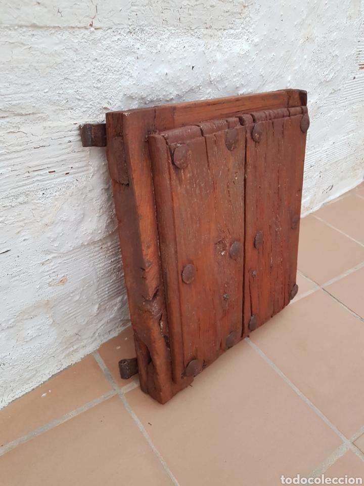 Antigüedades: Ventana antigua con clavos antiguos de forja siglo XVII - XVIII Aprox - Foto 4 - 278533133