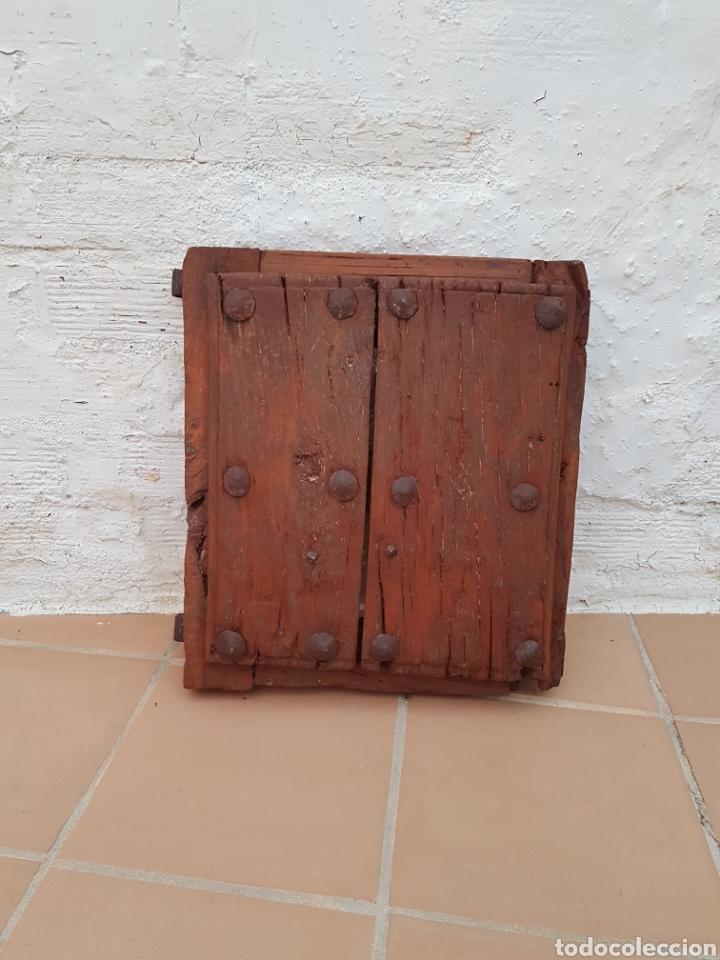 Antigüedades: Ventana antigua con clavos antiguos de forja siglo XVII - XVIII Aprox - Foto 5 - 278533133