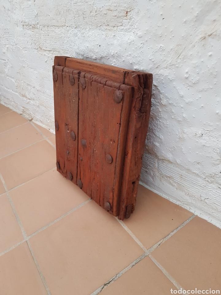 Antigüedades: Ventana antigua con clavos antiguos de forja siglo XVII - XVIII Aprox - Foto 6 - 278533133