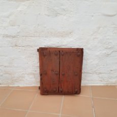 Antigüedades: VENTANA ANTIGUA CON CLAVOS ANTIGUOS DE FORJA SIGLO XVII - XVIII APROX. Lote 278533133