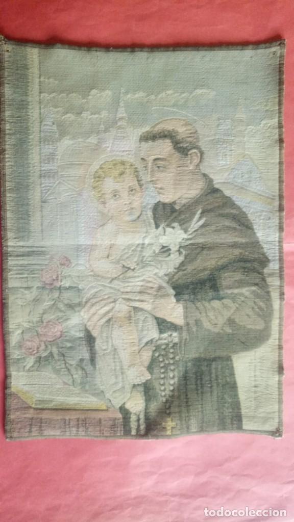 SAN ANTONIO DE PADUA.-TAPIZ.-MEDIDAS DE 44 X 32 CM. (Antigüedades - Religiosas - Varios)
