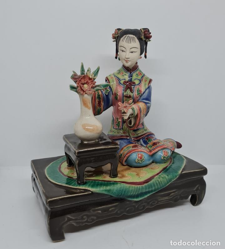 Antigüedades: PRECIOSA Y ANTIGUA ESCULTURA ORIENTAL POLICROMADA CON LEYENDA Y CUÑO,CHINA,JAPON??? - Foto 5 - 278822388