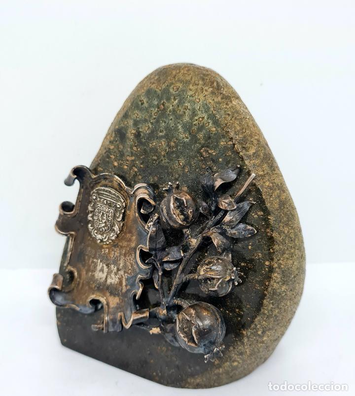 Antigüedades: MUY BONITO PISAPAPELES EN PIEDRA CON APLICACION DE PLATA - Foto 2 - 278824408