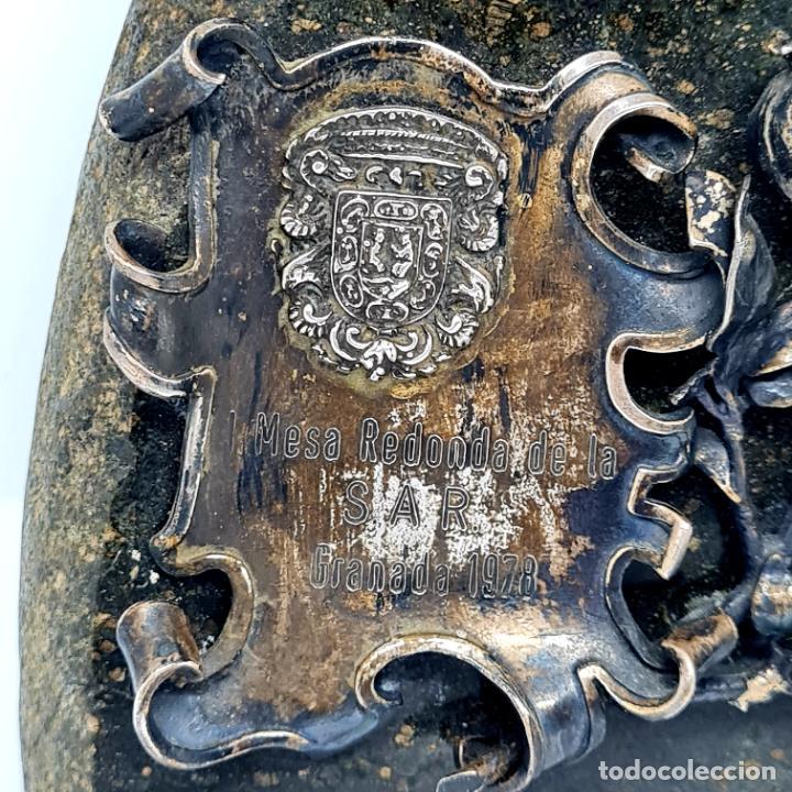 Antigüedades: MUY BONITO PISAPAPELES EN PIEDRA CON APLICACION DE PLATA - Foto 5 - 278824408