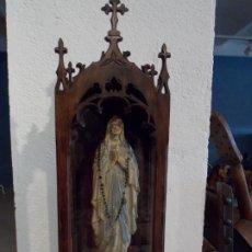 Antigüedades: CAPILLA EN MADERA TALLADA DEL SIGLO XIX. Lote 278869678
