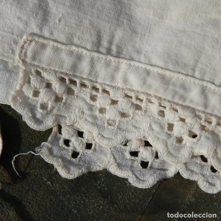 Antigüedades: Pequeños gorritos de bebe sigloXIX - Foto 6 - 279365538