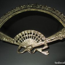 Antigüedades: ESPEJO ABANICO DE BRONCE. Lote 279375518