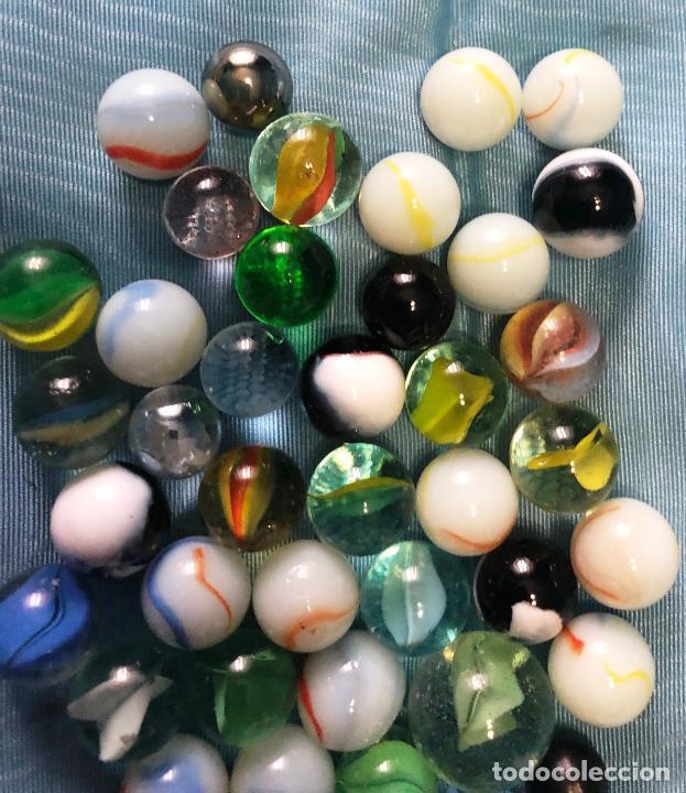 Antigüedades: Cuarenta boliches de cristal normales y tres grandes. - Foto 3 - 279403393