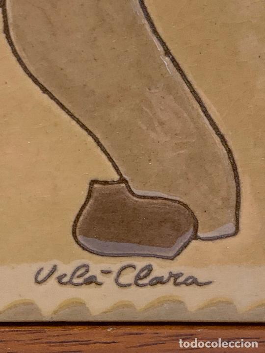 Antigüedades: Antiguo azulejo de ceramica vidriada de VILA-CLARA. VENDEDOR DE GALLINAS O POLLOS Mide unos 30x16cms - Foto 6 - 279456573